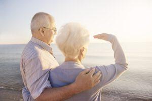זוג קשישים